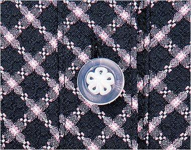 白い花びらがキュートな透明ボタン