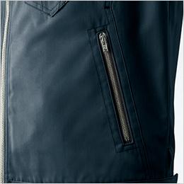 ファスナー付脇ポケット