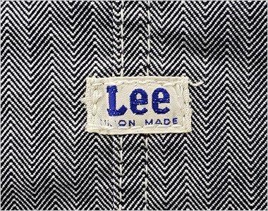 左胸ポケットの上にLeeオリジナルロゴ