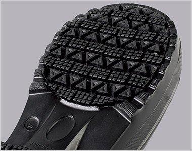 靴底にはラバーを貼り合わせているので耐滑性・摩耗性が向上します。