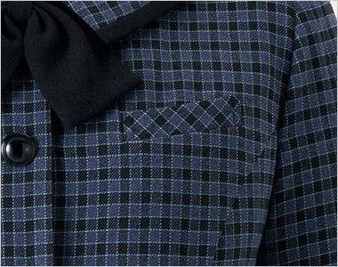 en joie(アンジョア) 21010 寒い時期にオススメ!落ち着きあるチェック柄の長袖オーバーブラウス(リボン付) 左胸ポケット