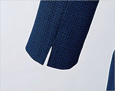 en joie(アンジョア) 61730 大人可愛いシルエットで魅せるブルーツイードのAラインワンピース(女性用) スリットのある袖だから窮屈になりづらい